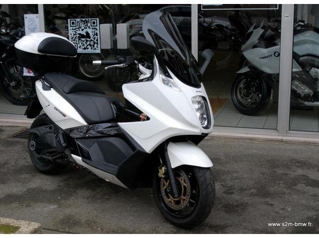 occasion gilera gp800 2009 blanc 25300kms vendue saint maur motos. Black Bedroom Furniture Sets. Home Design Ideas